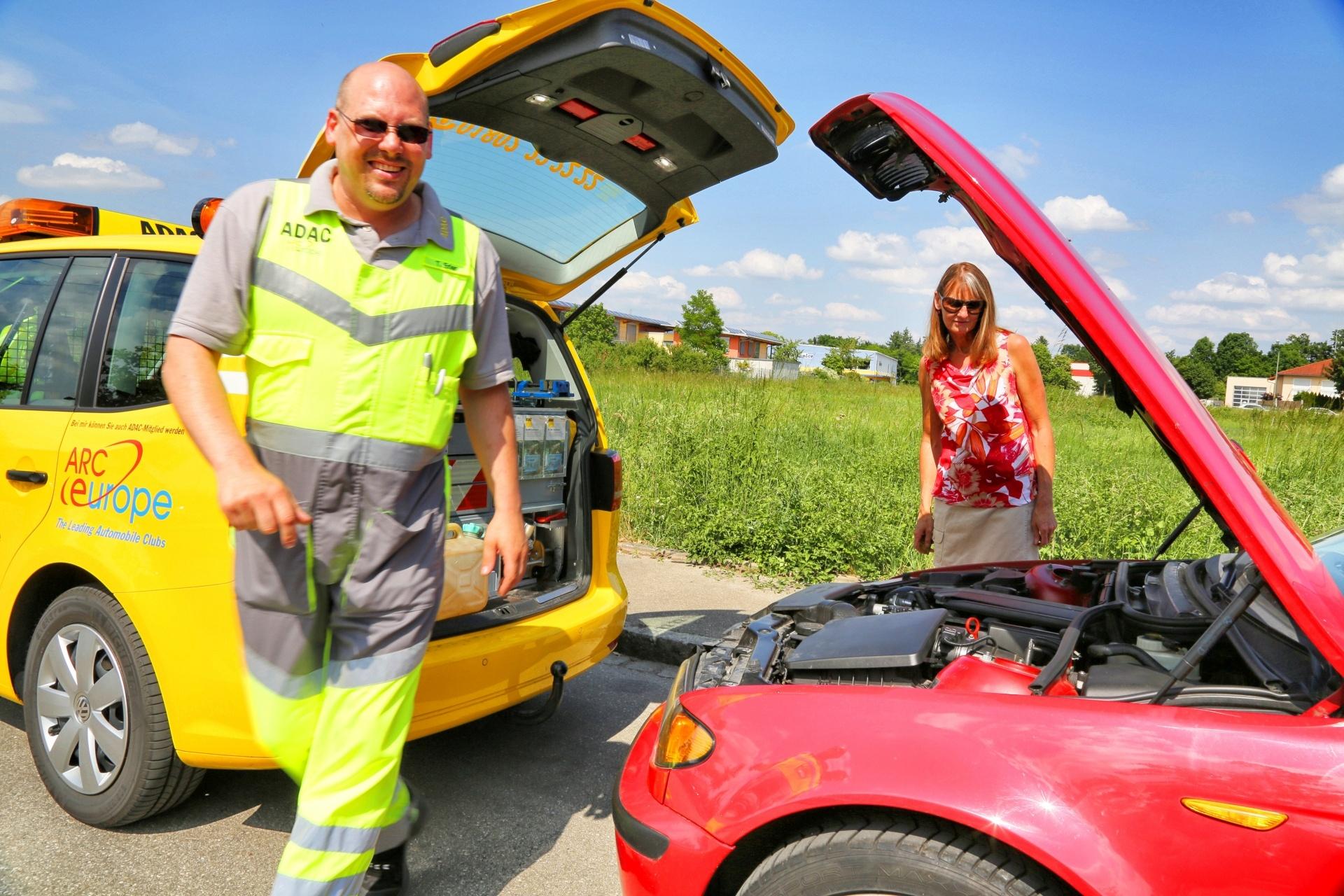 Strassenwachtfahrer Thomas Erler im Einsatz, Sommerschaden, Überhitzter Motor