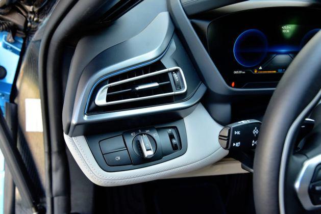 BMW i8 - włącznik świateł