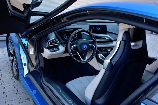 BMW i8 - wnętrze
