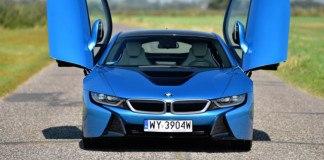 BMW i8- przód, otwarte drzwi