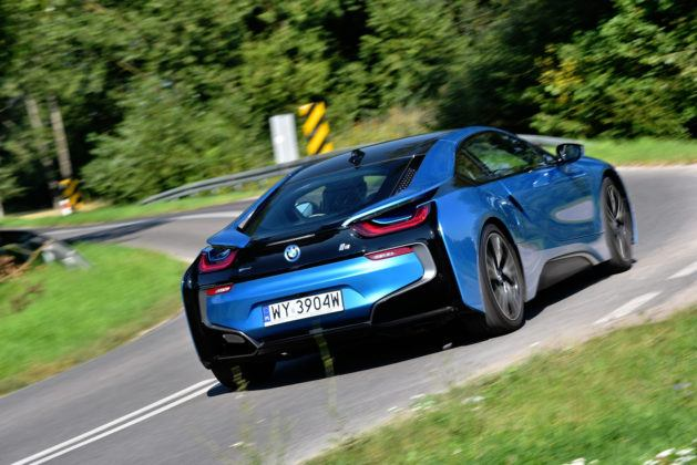 BMW i8 - tył