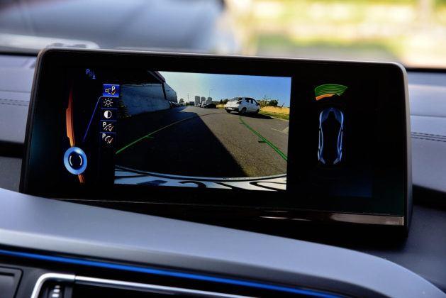 BMW i8 - kamera parkowania