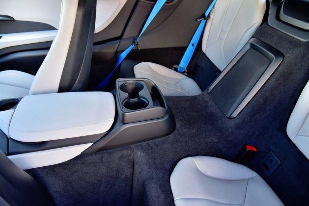 BMW i8 - tylne fotele