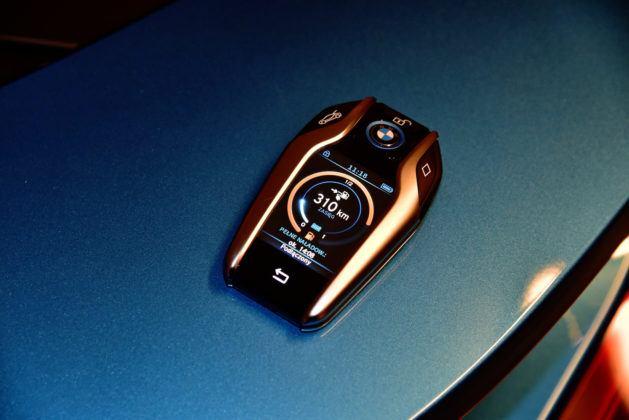 BMW i8 - inteligentny kluczyk