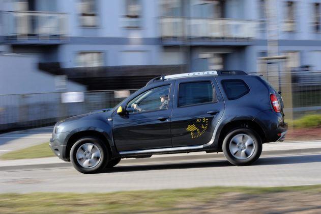 Dacia Duster - bok