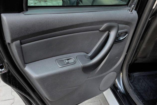 Dacia Duster - drzwi tylne