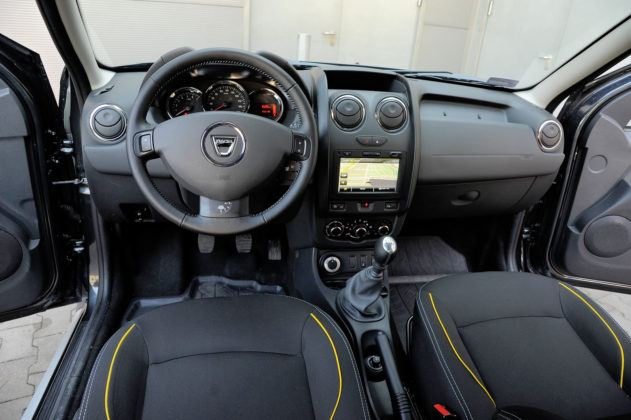 Dacia Duster - kokpit