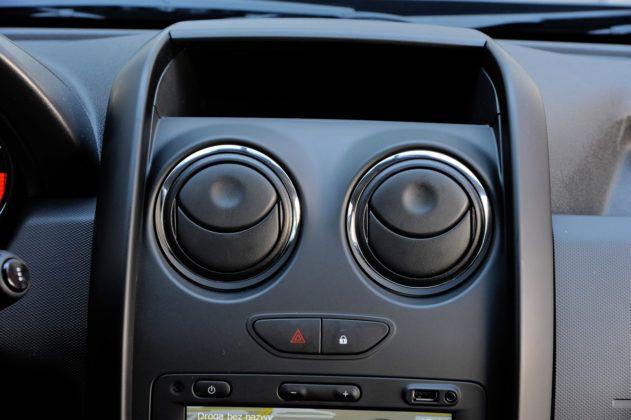 Dacia Duster - nawiewy w konsoli środkowej