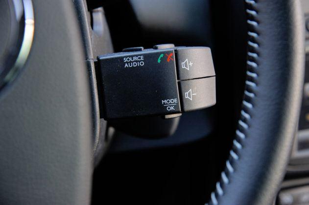 Dacia Duster - sterowanie systemem multimedialnym