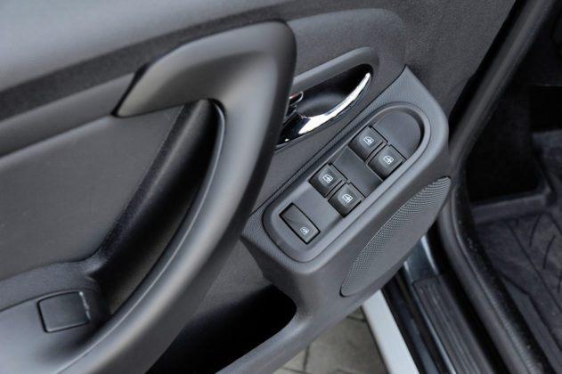 Dacia Duster - sterowanie szybami