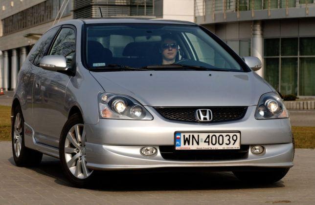 Honda Civic VII - przód