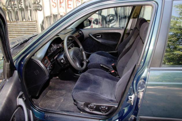 Honda Civic - fotel kierowcy