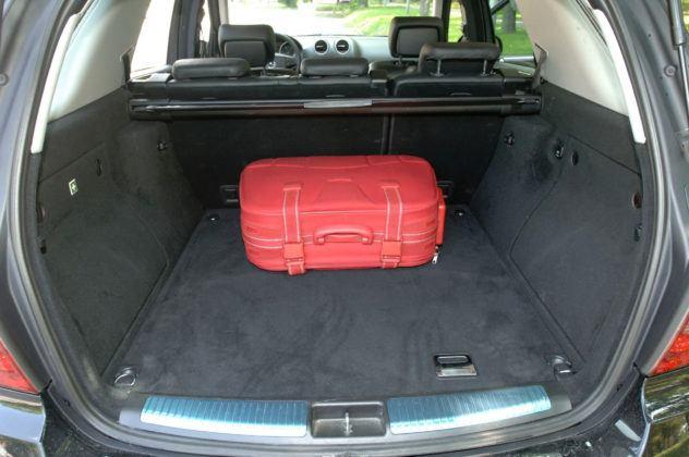 Mercedes ML - bagażnik