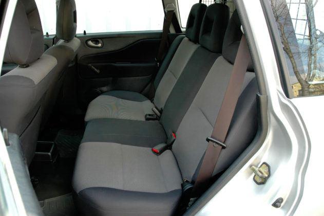 Mitsubishi Space Star - tylna kanapa