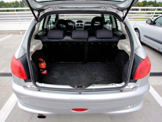 Peugeot 206 - bagażnik