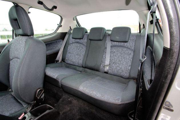 Peugeot 206 - tylna kanapa
