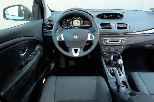 Renault Megane III - deska rozdzielcza