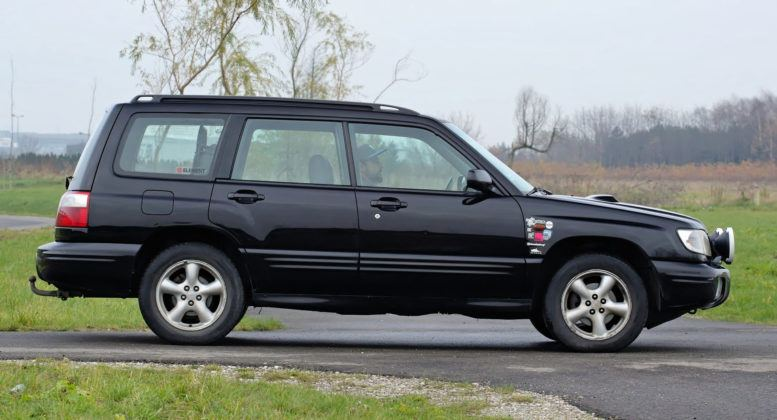 Subaru Forester I - bok