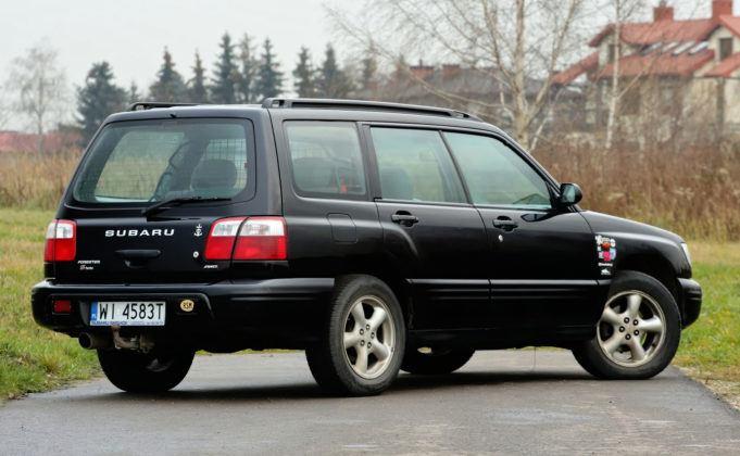 Subaru Forester I - tył