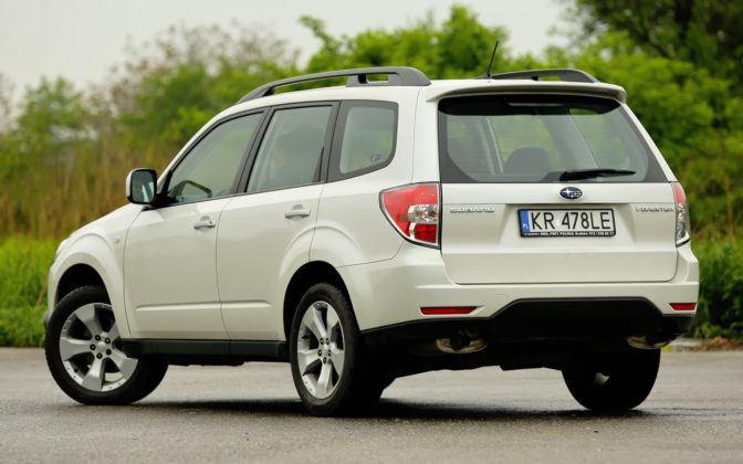 Subaru Forester (2008-2013) - sylwetka tył