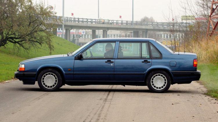 Volvo 940 - bok