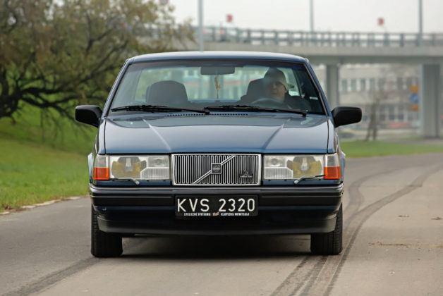 Volvo 940 - przód