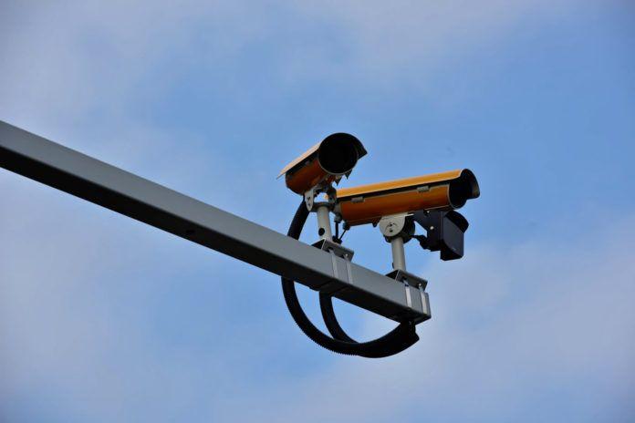 Kamery rejestrujące przejazd na czerwonym świetle