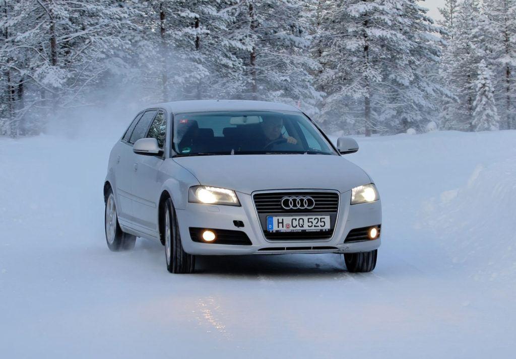 Prowadzenie na śniegu