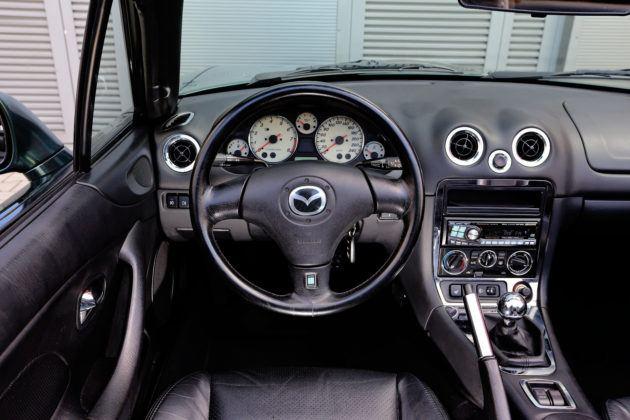 Mazda MX-5 - deska rozdzielcza