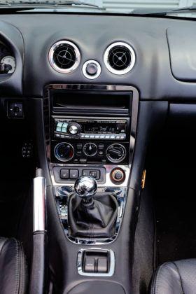 Mazda MX-5 - konsola środkowa