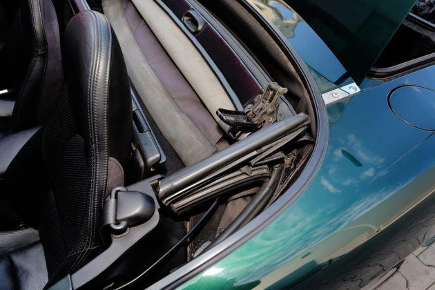 Mazda MX-5 - zapięcia dachu