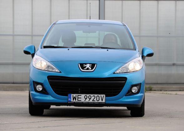 Peugeot 207 - przód