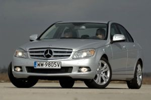 Klasa średnia, najdroższy - Mercedes Klasy C W204