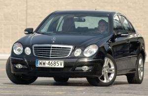 Klasa wyższa, najdroższy - Mercedes Klasy E W211