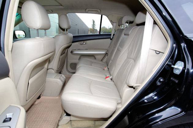 Lexus RX - tylna kanapa