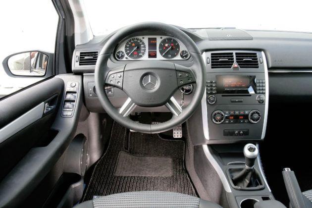Mercedes Klasy B W245 - deska rozdzielcza