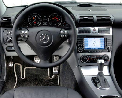 Mercedes Klasy C W203 - deska rozdzielcza