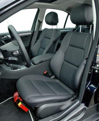 Mercedes Klasy C W203 - fotel kierowcy
