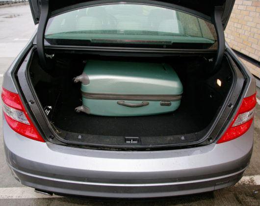 Mercedes Klasy C W204 - bagażnik