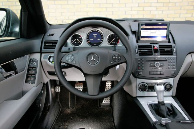 Mercedes Klasy C W204 - deska rozdzielcza