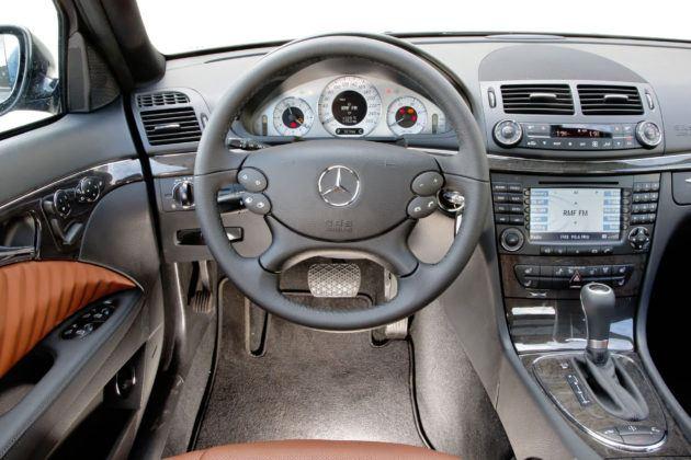 Mercedes Klasy E W211 - deska rozdzielcza