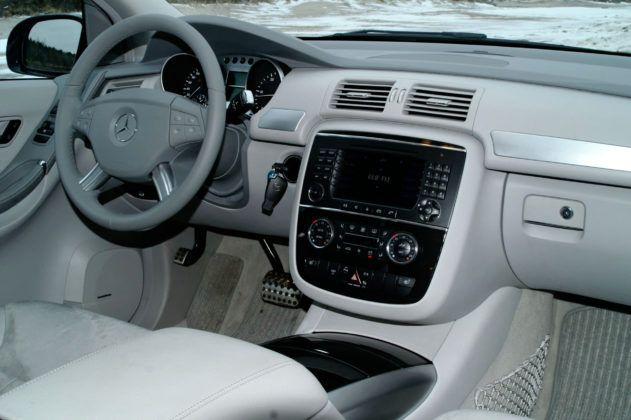Mercedes Klasy R W251- deska rozdzielcza