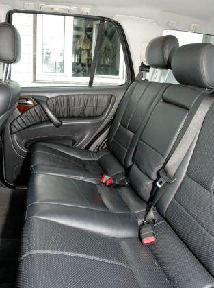 Mercedes ML W163 - tylna kanapa