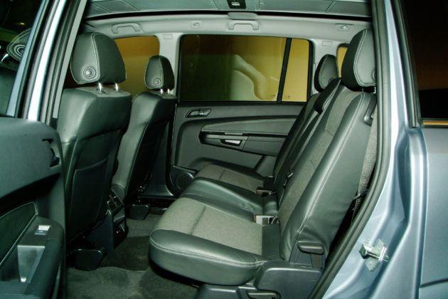 Używany Opel Zafira - tylna kanapa