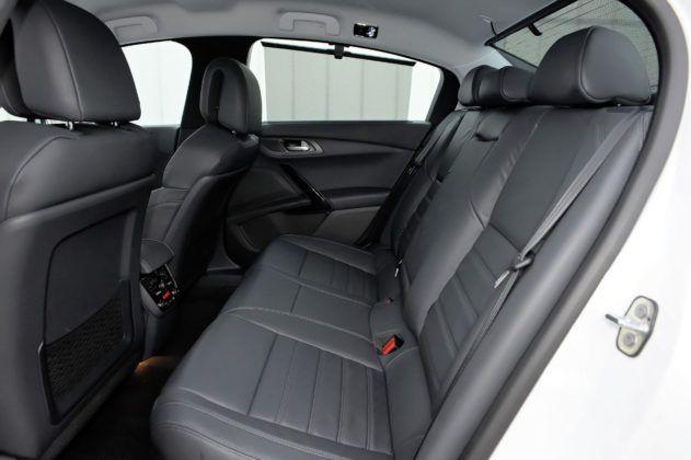 Używany Peugeot 508 - tylna kanapa