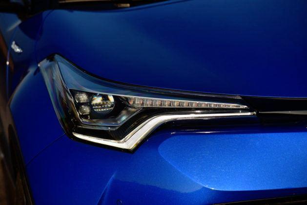 Toyota C-HR - światła przednie
