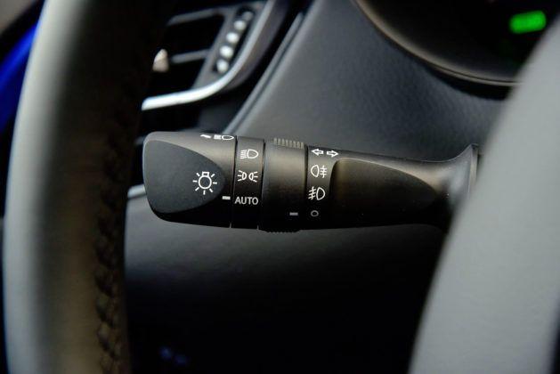 Toyota C-HR - dźwignia kierunkowskazów