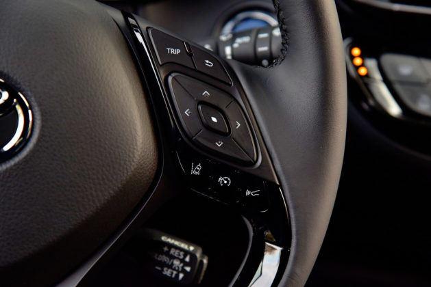 Toyota C-HR - kierownica, sterowanie