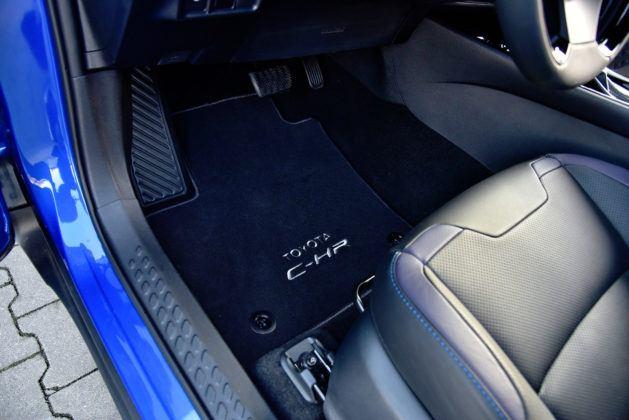 Toyota C-HR - pedały