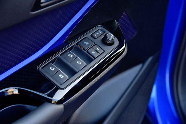 Toyota C-HR - sterowanie oknami